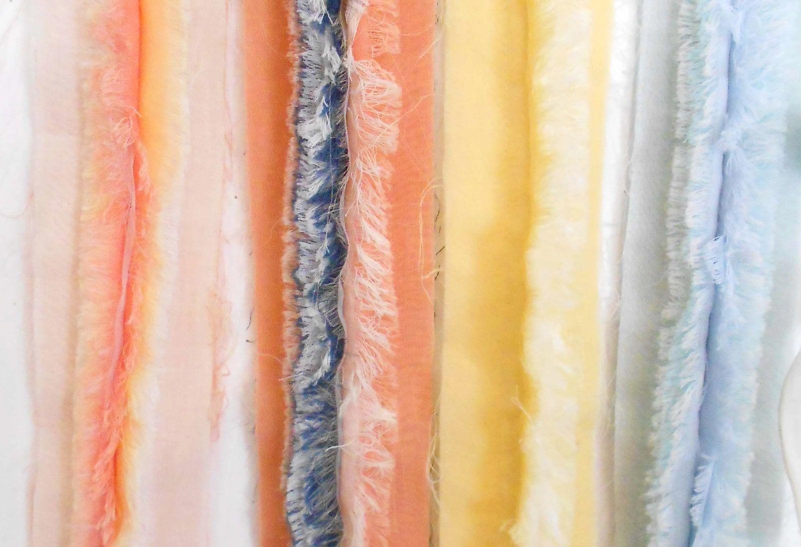 Essai brodeur – Broderies Sonia Rykiel – Bande organza effrange multicolore – Printemps ete 2013