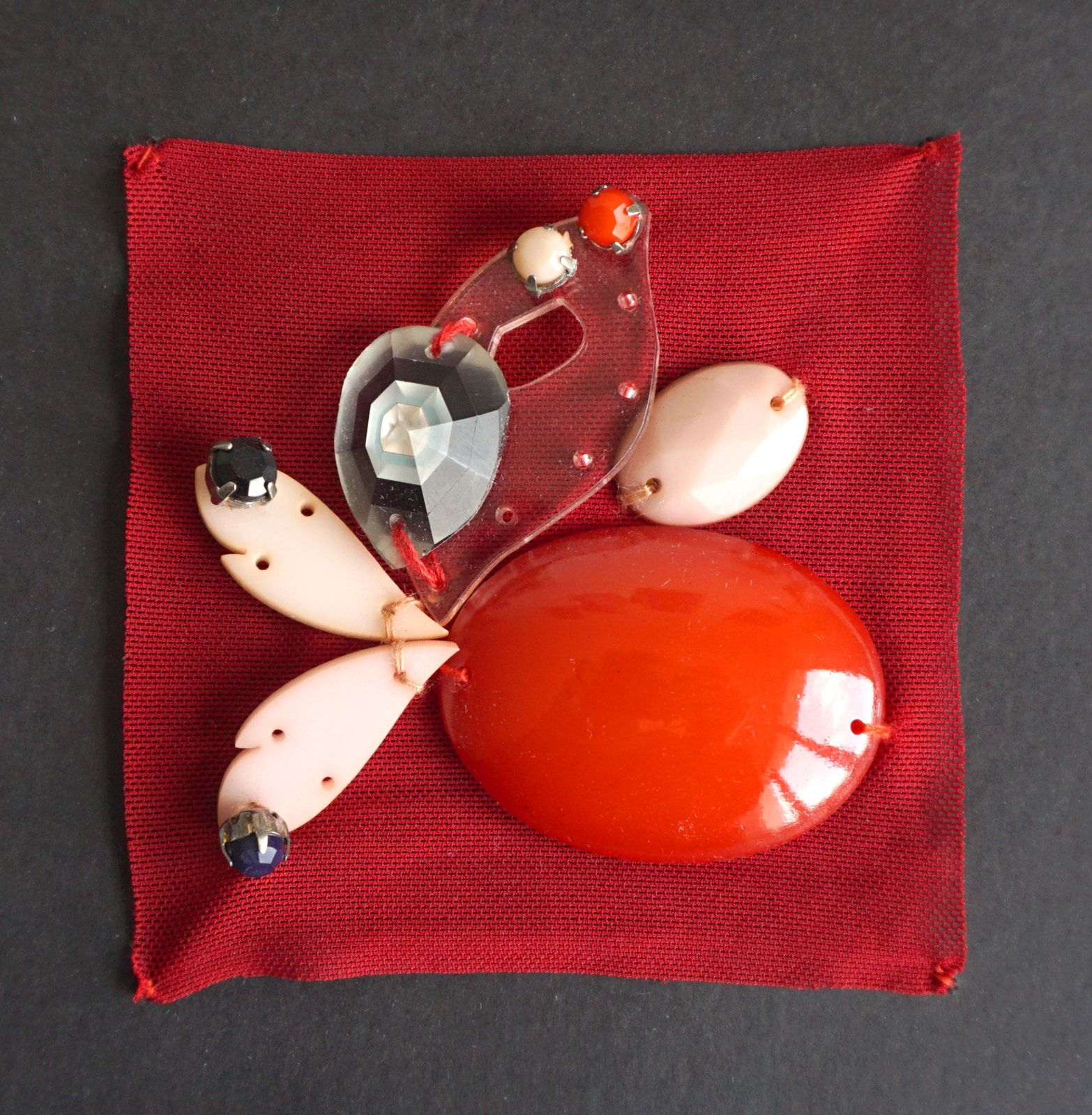 Essai brodeur – Broderies Sonia Rykiel – Perles fleurs  – Prefall 2013 – 1