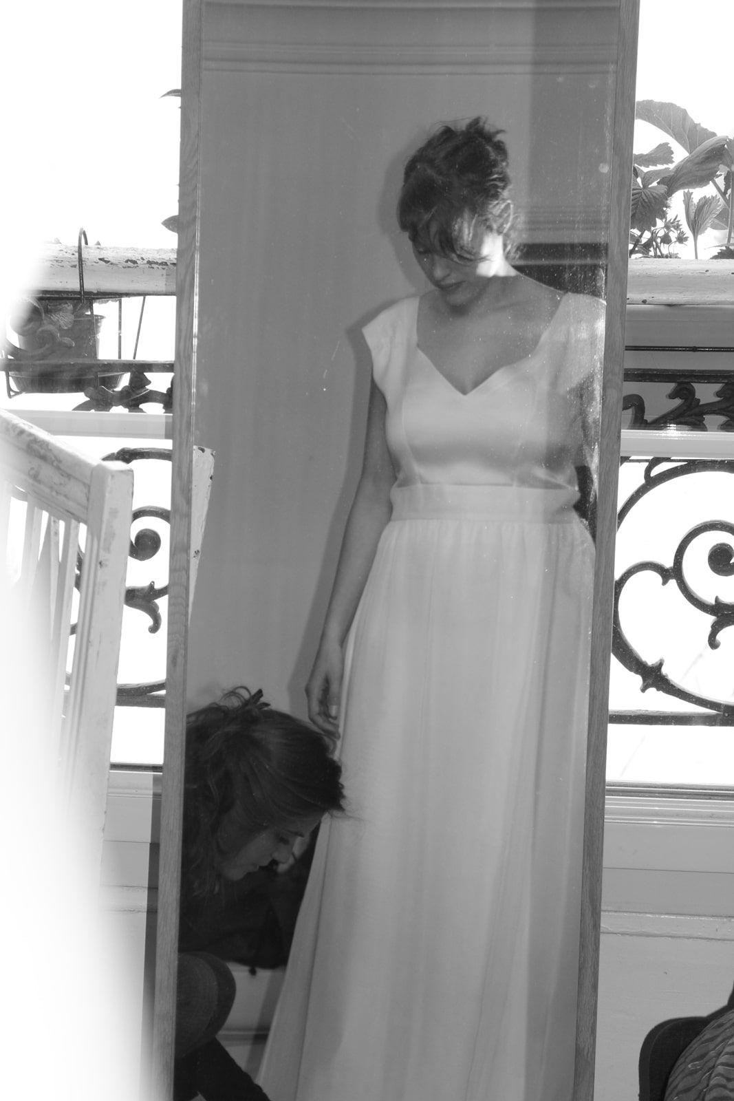 Essayage – Mise au point de l ourlet – Robe en double organza et mousseline de soie blanche – Alice D