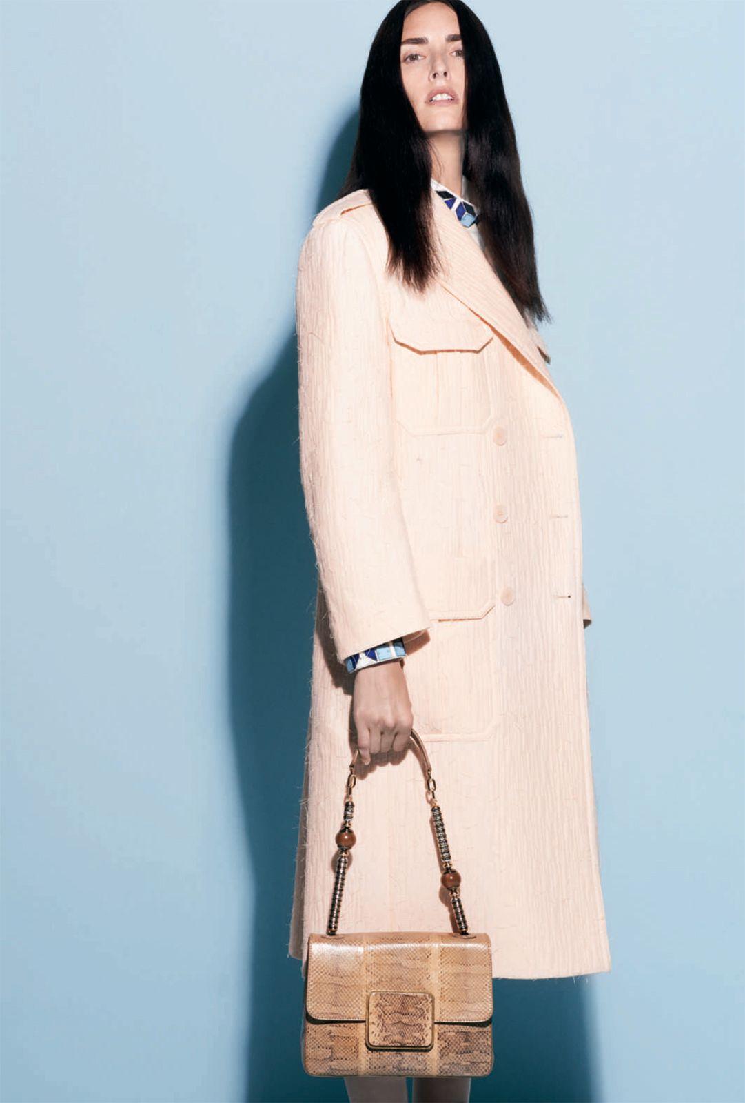 Modele lookbook – Broderies Sonia Rykiel – Perles effet 3D detail col et poignet – Printemps ete 2013 – 2
