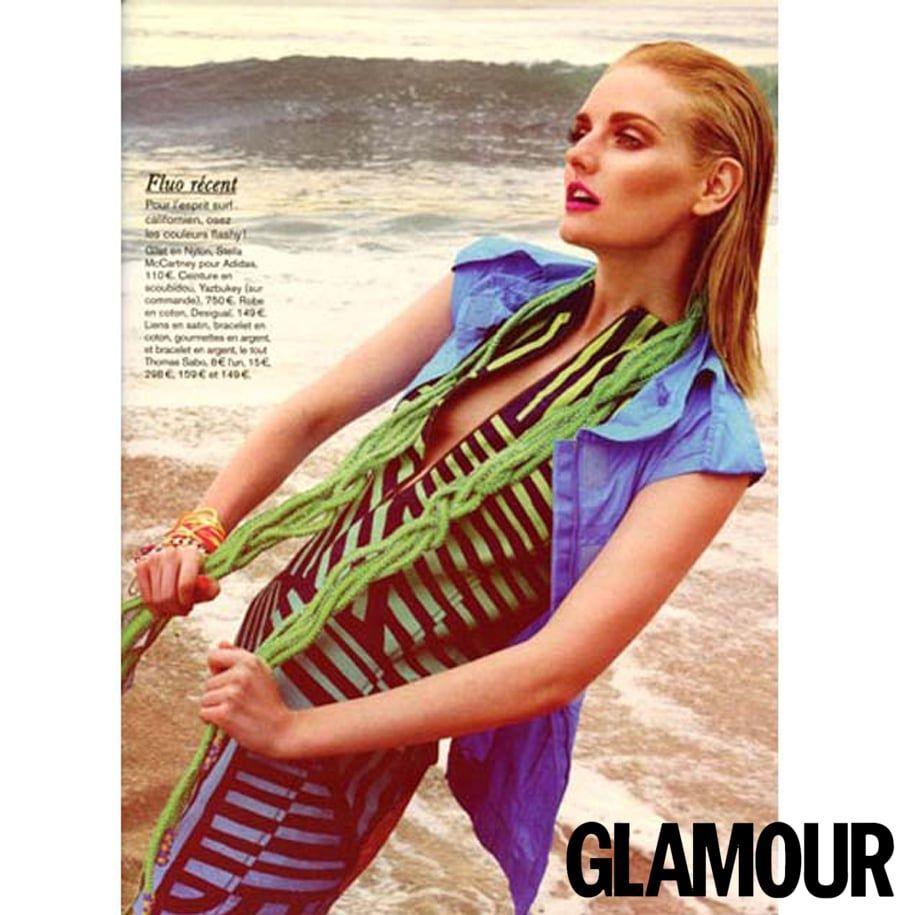 Photo presse – Magazine Glamour – Mars 2012 – Serpent en scoubidou – Verts et lurex – Yazbukey – Printemps-ete 2012