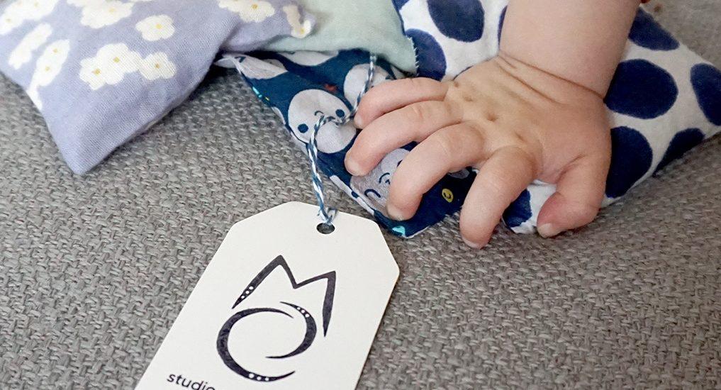 Coussins tactiles inspires methode Montessori - Elio - Tissus imprimes - Jouets enfants - 3