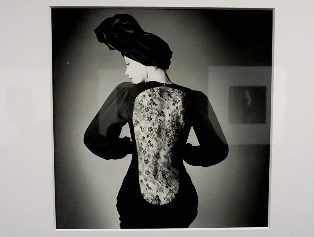 Exposition_Back-side-Dos-a-la-mode_Musee-Galliera-Musee-Bourdelle_3