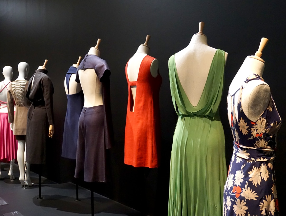 Exposition_Back-side-Dos-a-la-mode_Musee-Galliera-Musee-Bourdelle_7